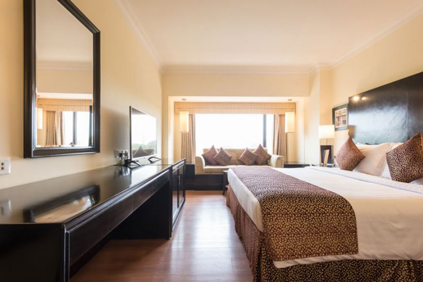 room available for dating in karachi